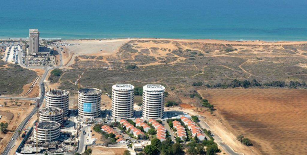 חוף התכלת - קנדה ישראל